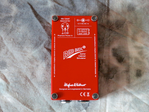 Hughes & Kettner Red Box 5 – bottom view
